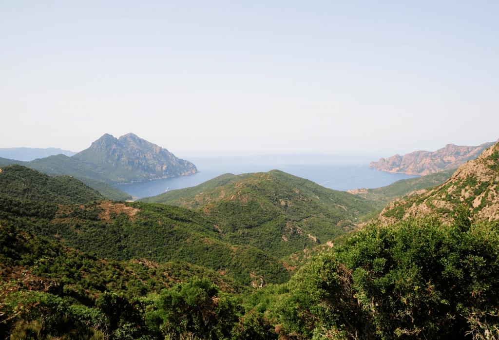 Vue depuis les montagnes du GR20